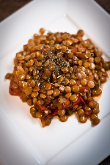 tomato and garlic lentils